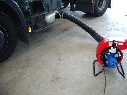 extracteur de gaz d 39 chappement pour poids lourds aspiration gaz chappement pour camion. Black Bedroom Furniture Sets. Home Design Ideas