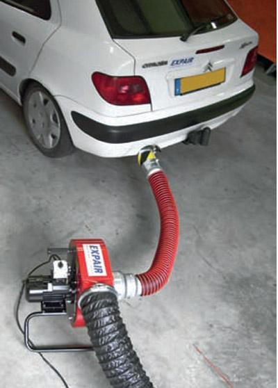 kit extracteur de gaz d 39 chappement pour ateliers autos extracteur mobile chappement voiture. Black Bedroom Furniture Sets. Home Design Ideas
