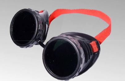 lunette de soudure avec coque plastique lunettes de. Black Bedroom Furniture Sets. Home Design Ideas